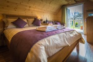 Glencoe Cabins and Caravans