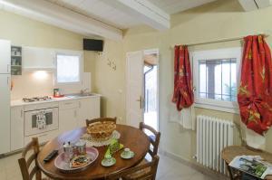 Tenuta Sant'Apollinare, Дома для отпуска  Mondaino - big - 2