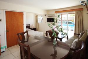 Petsas Apartments, Residence  Coral Bay - big - 32