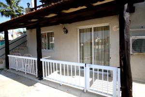 Petsas Apartments, Residence  Coral Bay - big - 33