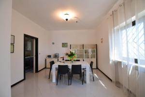 Villa Silvana, Апартаменты  Сельва-ди-Фазано - big - 9
