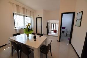 Villa Silvana, Апартаменты  Сельва-ди-Фазано - big - 39