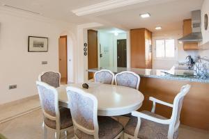 Aloha Hill Club Mayfair, Appartamenti  Marbella - big - 25