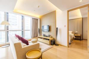 Huanqiu 188 International Apartment, Apartments  Suzhou - big - 12