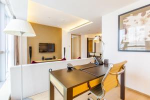 Huanqiu 188 International Apartment, Apartments  Suzhou - big - 10