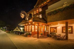 Hotel-Restaurant Vinothek Lamm, Hotels  Bad Herrenalb - big - 1