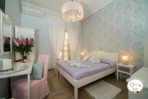 Double Room with Balcony B&B Salerno Chic in Center