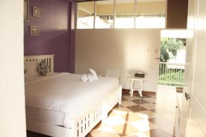 Feung Nakorn Balcony Rooms and Cafe, Отели  Бангкок - big - 41