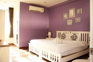Feung Nakorn Balcony Rooms and Cafe, Отели  Бангкок - big - 40