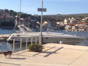 Boat accommodation Papaciula