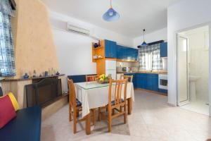 Sunny Beach, Holiday homes  Archangelos - big - 4