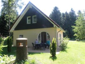 Holiday home Bungalowpark Schnee-Eifel 4