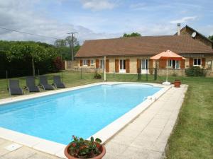 Maison De Vacances - Besse 2, Holiday homes  Saint-Pompont - big - 1