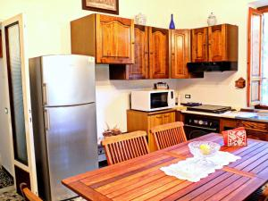 Casa Patrizia, Dovolenkové domy  Massarosa - big - 32