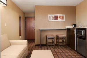Microtel Inn & Suites Kenedy