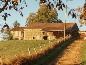 St Caprais, Holiday homes  Villefranche-du-Périgord - big - 28