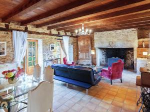 St Caprais, Holiday homes  Villefranche-du-Périgord - big - 3