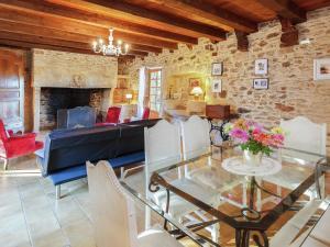 St Caprais, Holiday homes  Villefranche-du-Périgord - big - 5