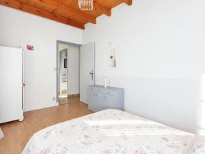 St Caprais, Holiday homes  Villefranche-du-Périgord - big - 10