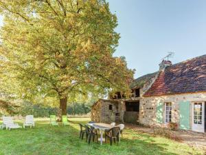 St Caprais, Holiday homes  Villefranche-du-Périgord - big - 16
