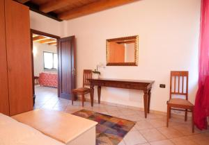 Casale Manzoni, Appartamenti  Verona - big - 37
