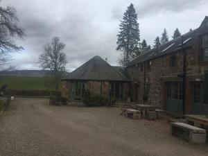 Lodge at Lochside, Bed and Breakfasts  Bridgend of Lintrathen - big - 14