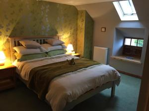 Lodge at Lochside, Bed and Breakfasts  Bridgend of Lintrathen - big - 9