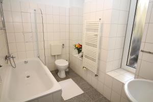 Apartments Rose & Sonnenblume, Ferienwohnungen  Berlin - big - 8