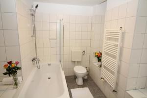 Apartments Rose & Sonnenblume, Ferienwohnungen  Berlin - big - 2