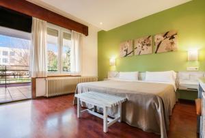 Мадрид - Hotel Los Olivos