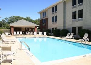 Hampton Inn & Suites Newtown