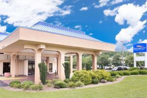 Baymont Inn & Suites - Greenville