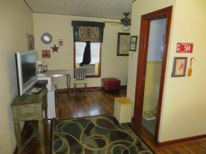 Town Cottages, Motels  Flatonia - big - 5