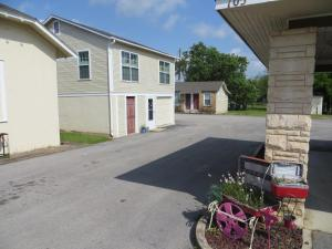 Town Cottages, Motels  Flatonia - big - 13