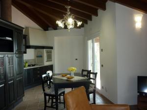 Apartment Belvedere 2, Appartamenti  Marone - big - 6