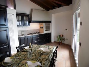 Apartment Belvedere 2, Appartamenti  Marone - big - 5