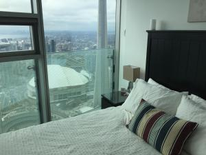 iHost Suites Ice Condo, Apartments  Toronto - big - 11