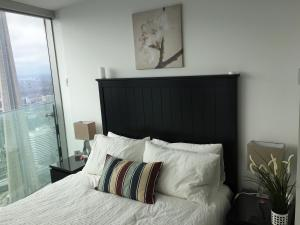iHost Suites Ice Condo, Apartments  Toronto - big - 17