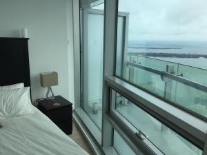 iHost Suites Ice Condo, Apartments  Toronto - big - 6