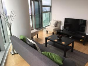iHost Suites Ice Condo, Apartments  Toronto - big - 18