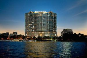 Four Seasons Hotel Cairo at Nile Plaza, Каир