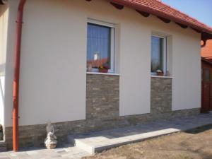 Molni, Apartmány  Balatonfůzfő - big - 2
