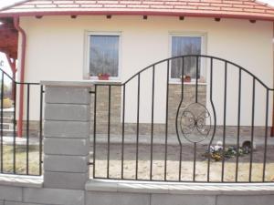 Molni, Apartmány  Balatonfůzfő - big - 15