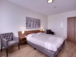 Holiday home Charming Beveland III, Ferienhäuser  Colijnsplaat - big - 18