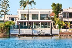 Waterfront Mansion - Surfers Paradise, Queensland, Australia
