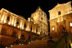 Baroque Charme House, Apartments  Noto - big - 14