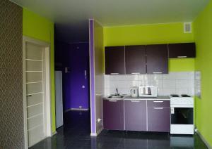Apartments on Kolmovskaya naberezhnaya 85