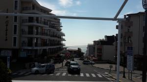 Sky Apartments, Apartments  Aheloy - big - 8