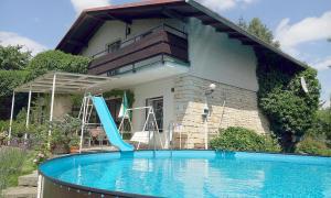 3-Bedroom Holiday home with Pool in Hořičky/Riesengebirgsvorland 1303 - Apartment - Hořičky