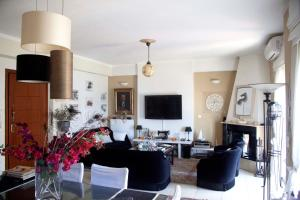 Irene's Luxurious Apartment